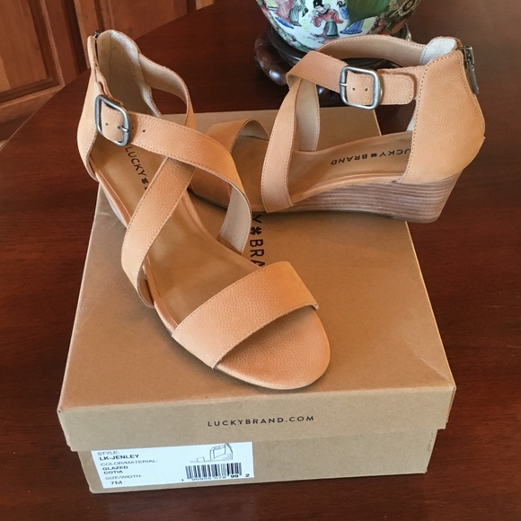 a120895405c7 Lucky Brand Jenley Wedge Sandals